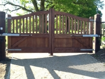 <h5>Gate Automation - 8</h5><p>Curve top automated wooden gates</p>