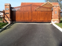 <h5>Gate Automation - 14</h5><p>Automated Hardwood Gates with brick pillars and door entry system</p>