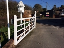 <h5>Gate Automation - 29</h5><p>Metal fieldgate, powder coated in white </p>