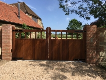<h5>Gate Automation - 32</h5><p>Automated bespoke wooden gates</p>
